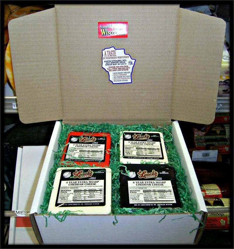 The Executive Wisconsin Cheese Gift Box 00045