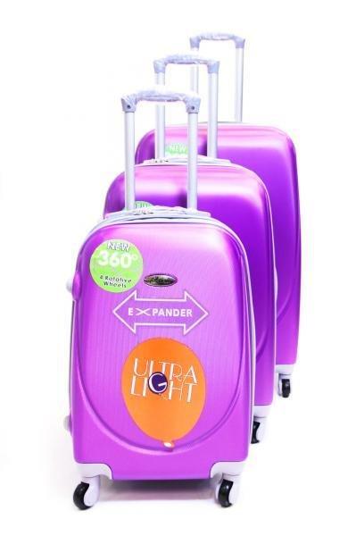 Пластиковые чемоданы 00248