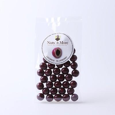 Nut`s n More - Salmiak lakrids – Hvid chokolade og blåbær