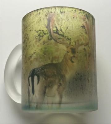 Materet glaskrus med Dåhjort