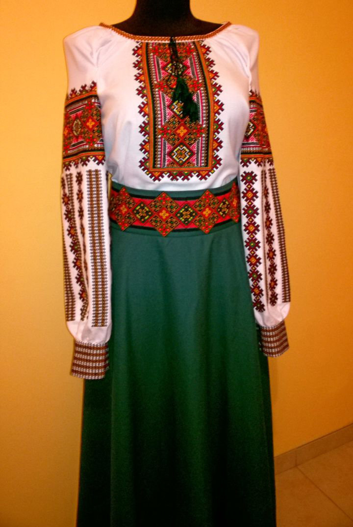 Вишиваний жіночий костюм - вишита блузка + вишита спідниця (Арт. 01966) ec721170e269c