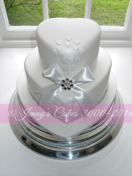 Gretna two-tier Heart Shaped Wedding Cake JC-G19-H2