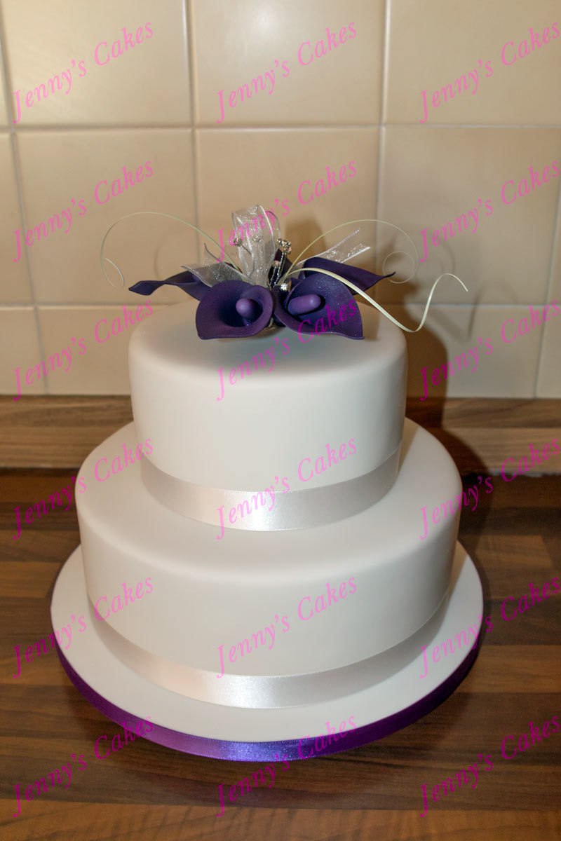 gretna two-tier cake with Sugar Calla Lilies