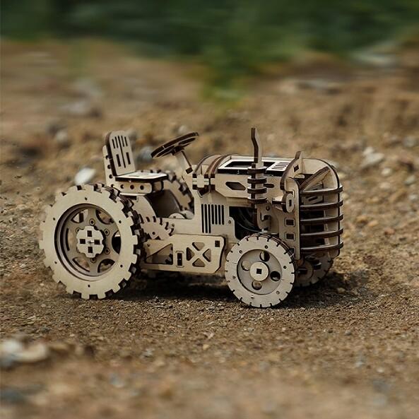 Подвижная 3D модель Трактора