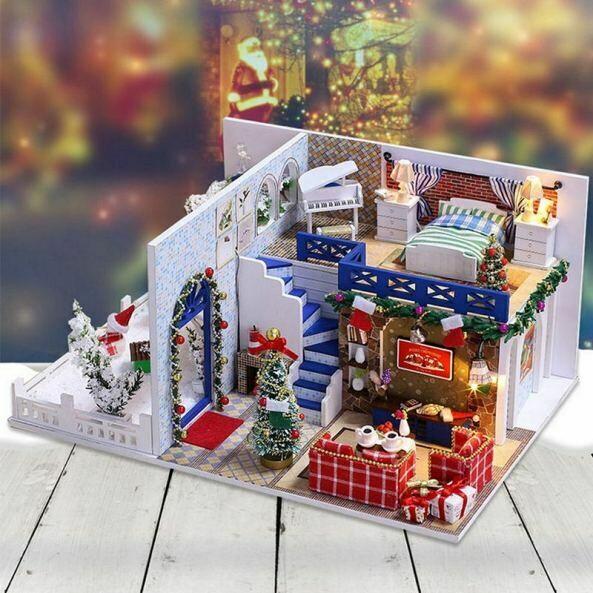 K026Roombox Blue Christmas