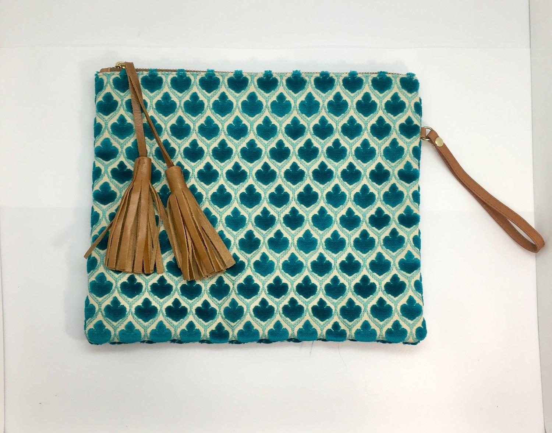 Turquoise Fleurette Wristlet