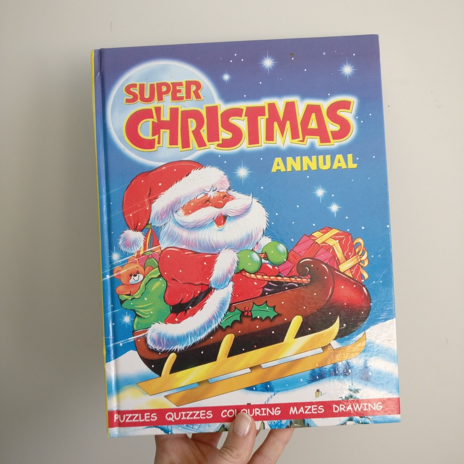 Super Christmas Annual - santa