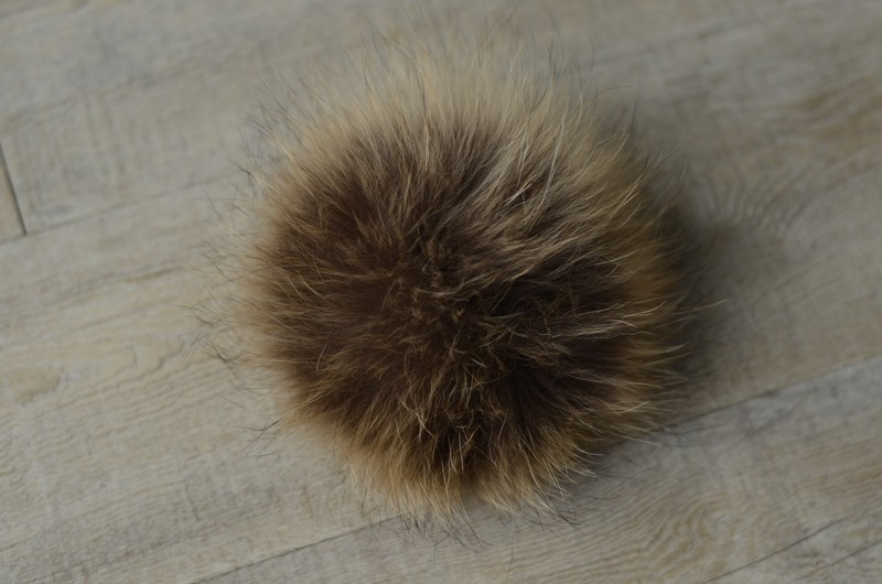 Natural racoon pompom