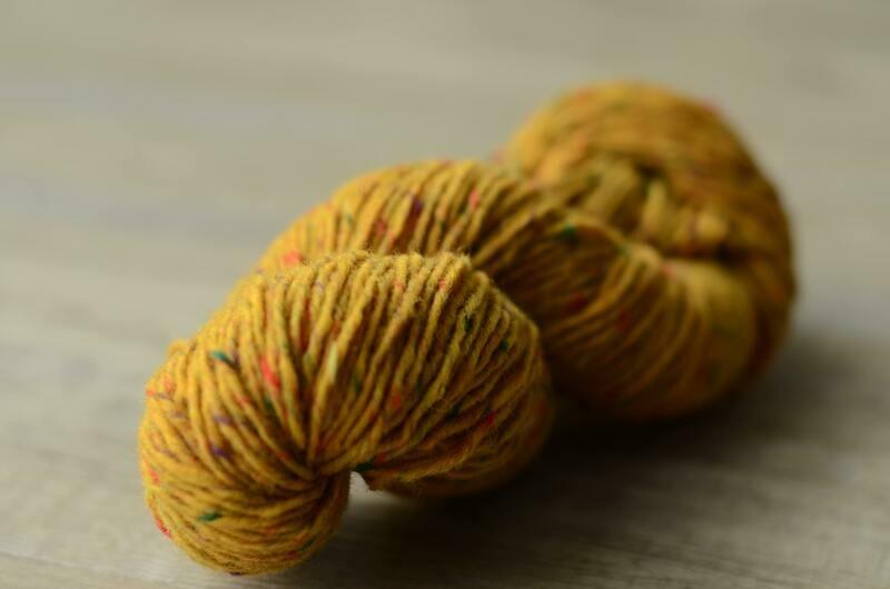 WarmWoolGallery Kilcarra Tweed - GILD