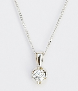 18ct white gold diamond pendant. 0.15ct