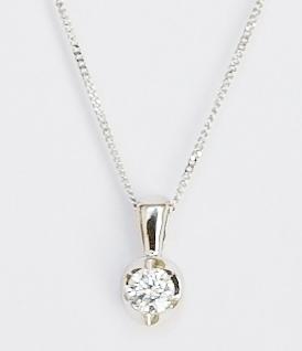 18ct white gold diamond pendant. 0.15ct