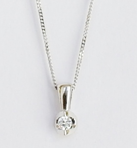 18ct white gold diamond pendant. 0.05ct