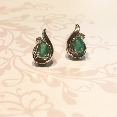 9ct white gold oval emerald and diamond stud earrings