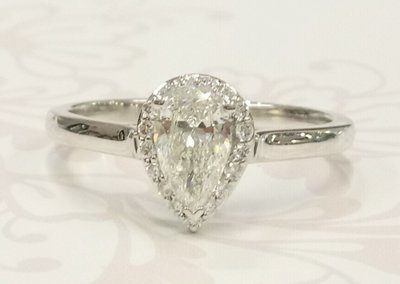 Pear shaped halo ring
