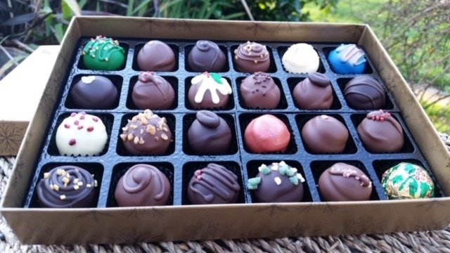 "BOX OF 24 ""SKYE CHRISTMAS SELECTION"" TRUFFLES"