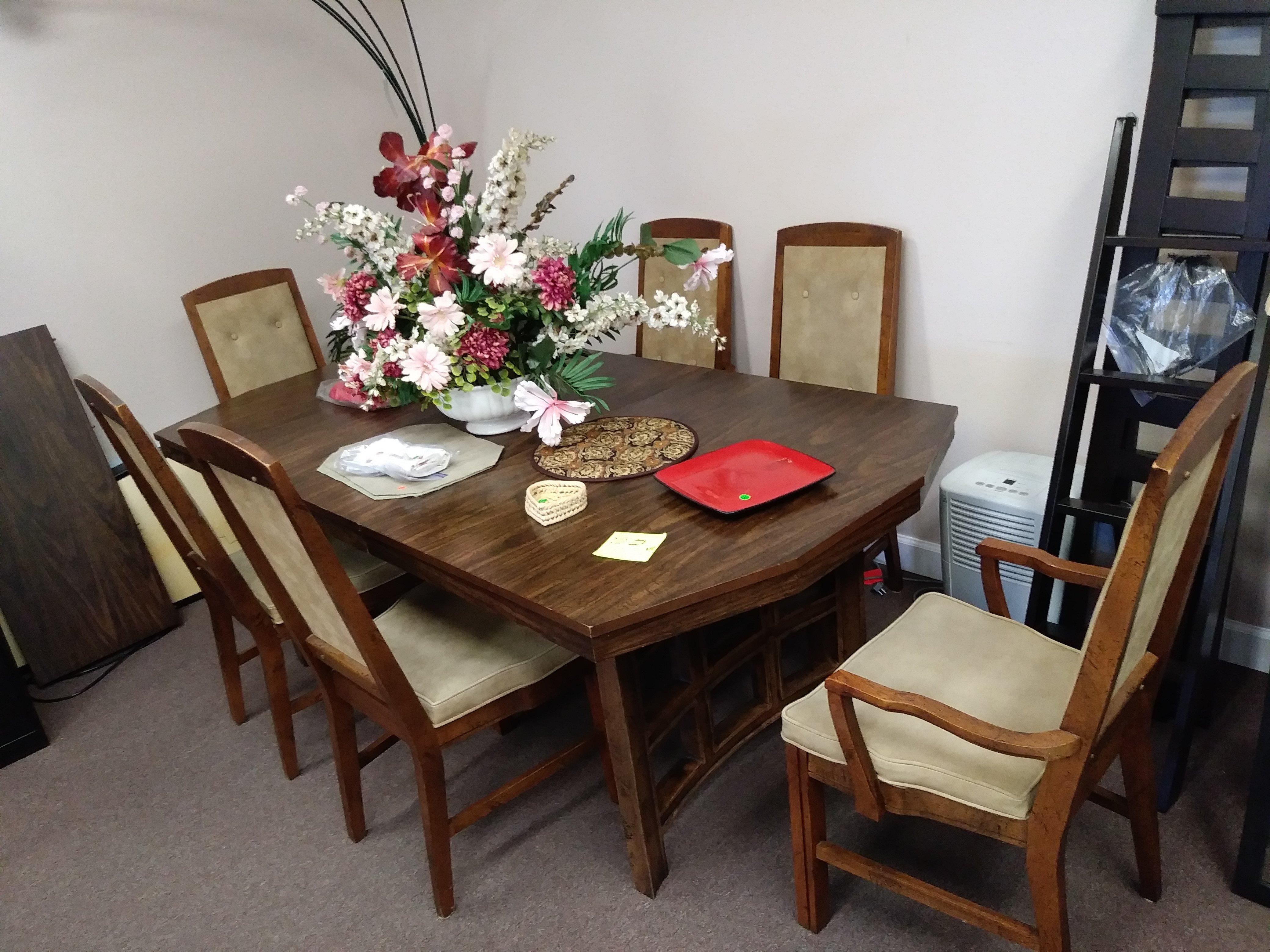 """8 Foot 5 1/2"""" Long Wooden Dining Room Table With Removable Leaves 0006"""