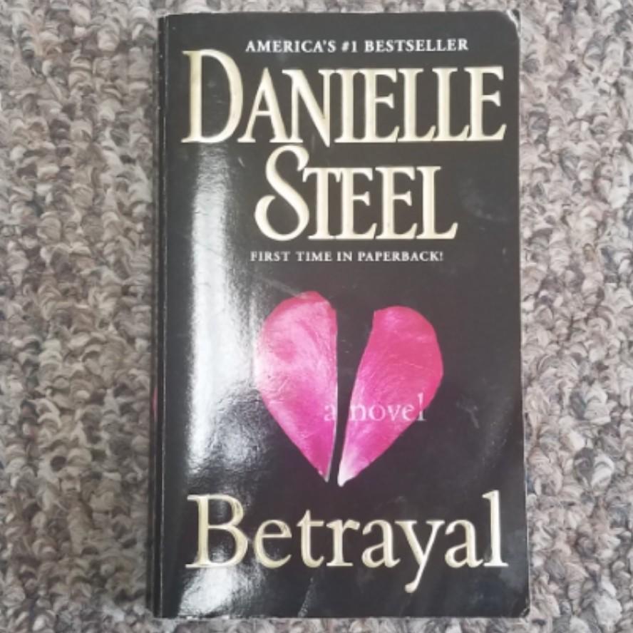 Betrayal by Danielle Steel