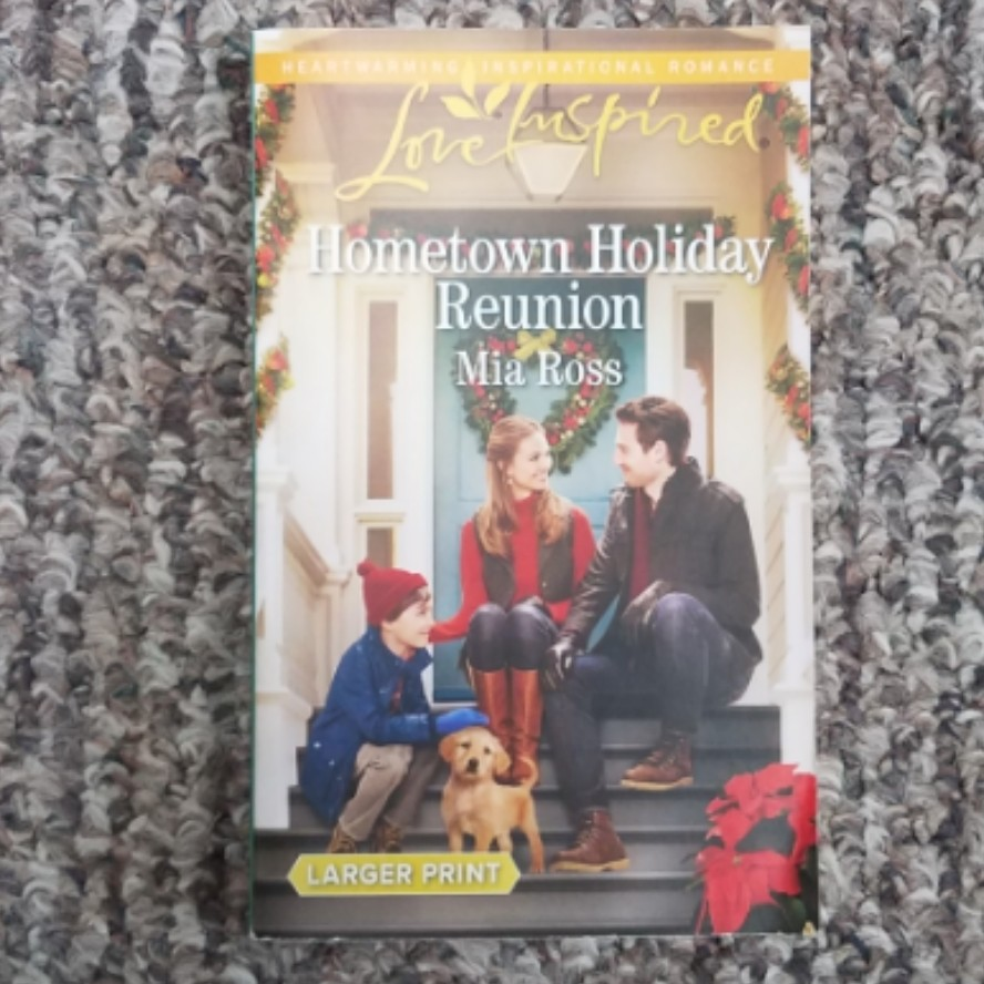 Hometown Holiday Reunion by Mia Ross