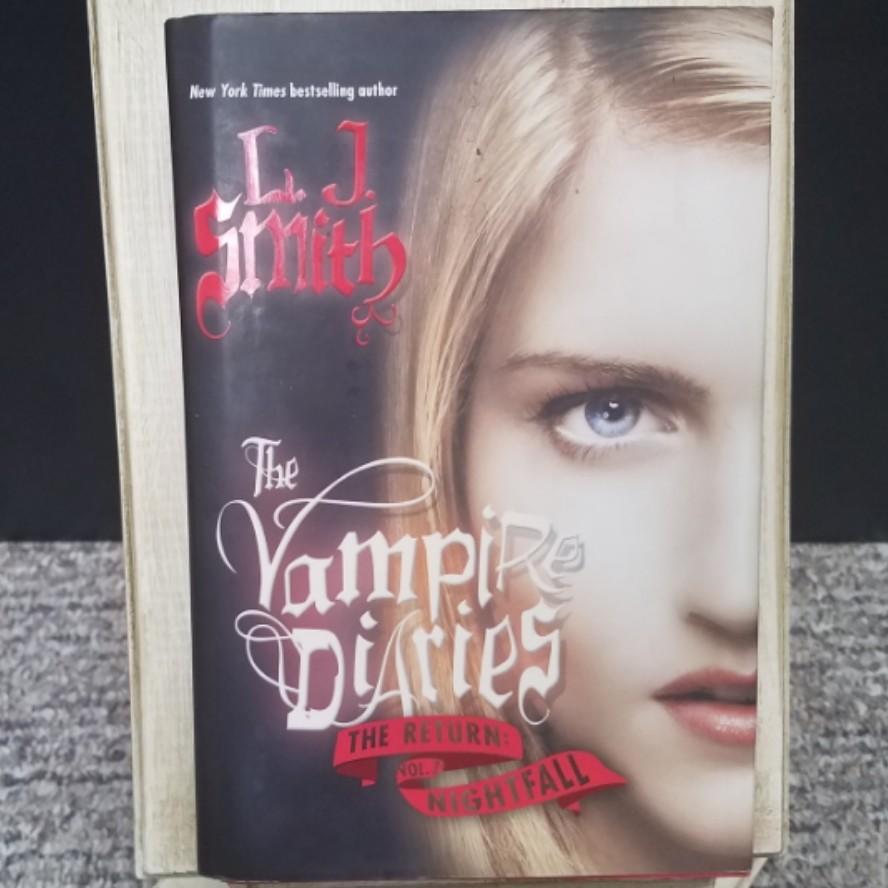 The Vampire Diaries: The Return: Nightfall by L. J. Smith