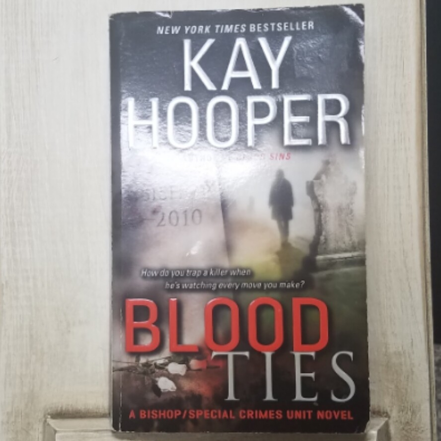 Bloodties by Kay Hooper