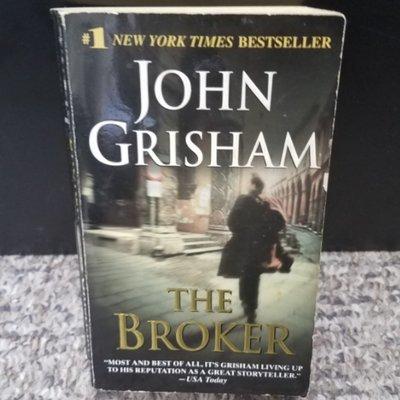 The Broker by John Grisham - Paperback