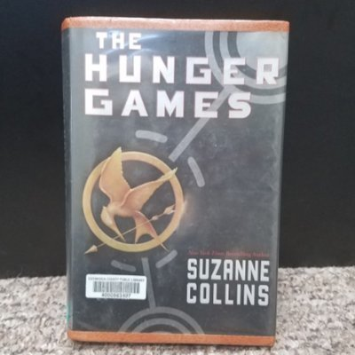 The Hunger Games by Suzanne Collins - Hardback