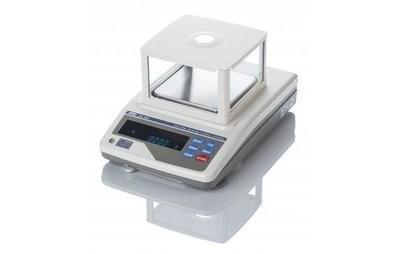 A&D GX-600 Milligram Balance   (610g. x 1.0mg.)