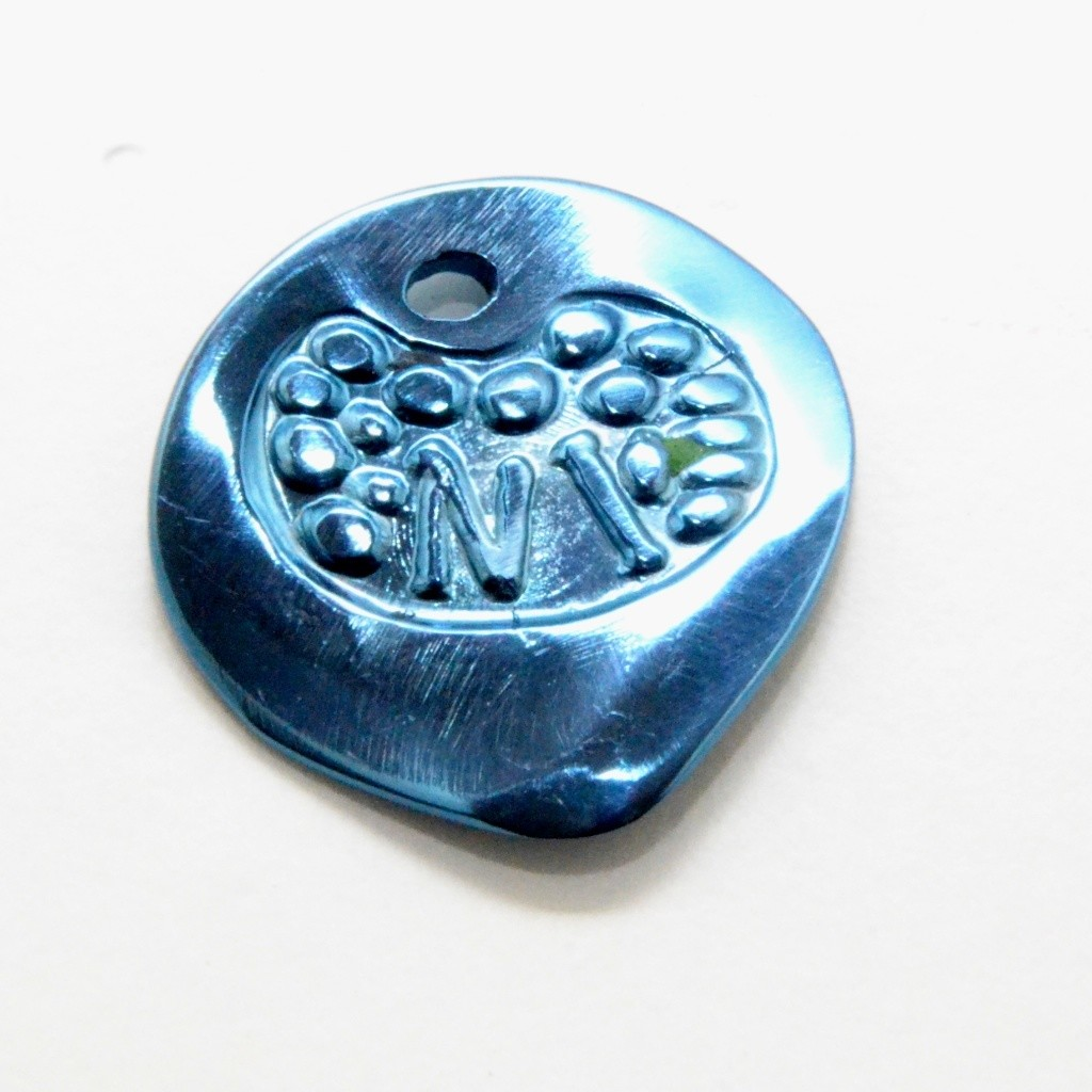le NiTi Titane bleu