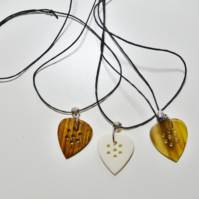 les colliers Sayo
