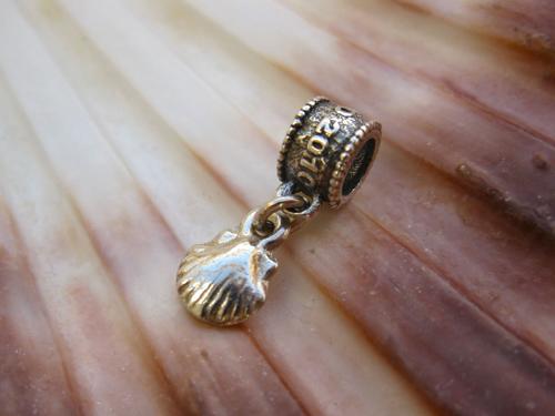 Camino de Santiago memento - scallop shell bead