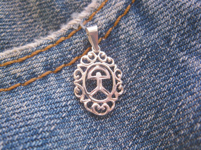 Indalo necklace ~ filigree, engraved classic