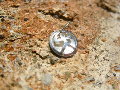 Indalo lucky charm ~ button, silver