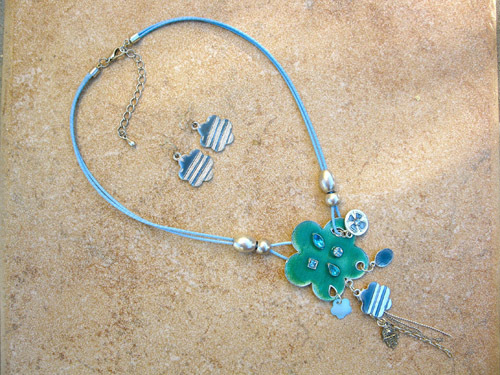 Hamsa jewellery set ~ aqua, beaded flower