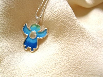 Angelito necklace - little guardian angel, with scallop shell