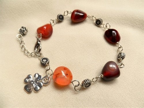 Carnelian + clover bracelet  for ambition + luck