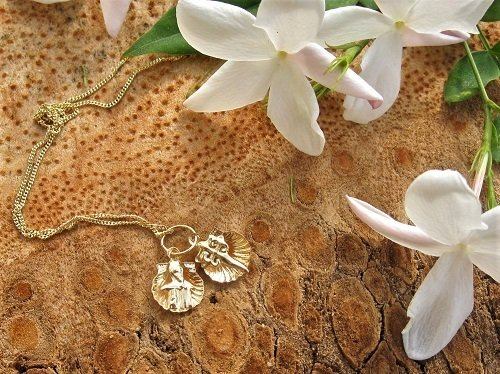 Camino de Santiago jewellery ~ double, 18ct gold scallop necklace
