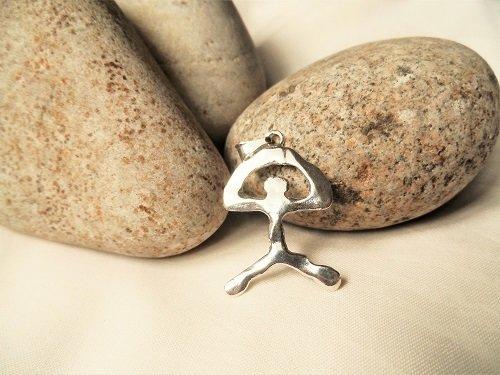Indalo pendant ~ modern, large 40mm, silver