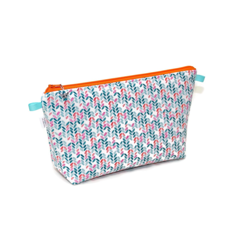 Knit Stitch in Aqua - Large Wedge