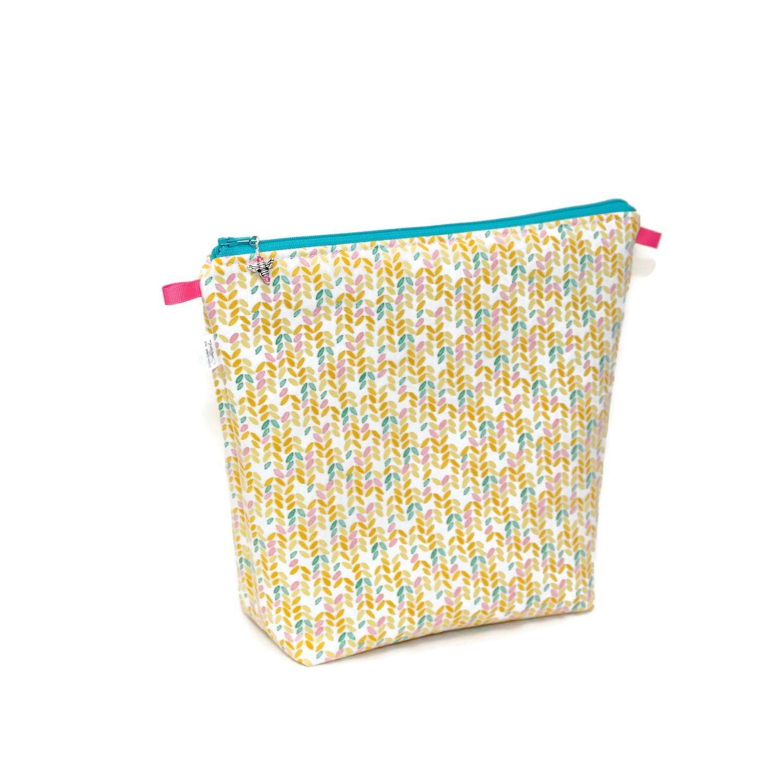 Knit Stitch in Peach - Tall Wedge