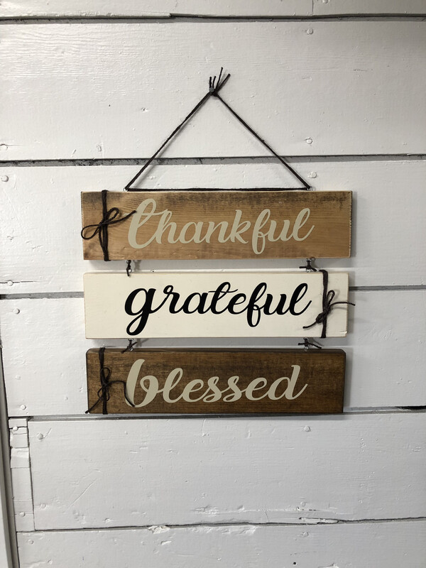 Thankful Grateful Blessed Sign (2)
