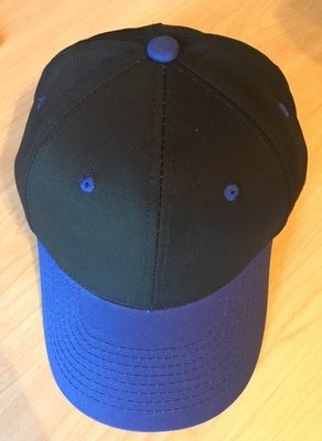 Youth: Pre-curved visor cotton twill cap, black / royal blue