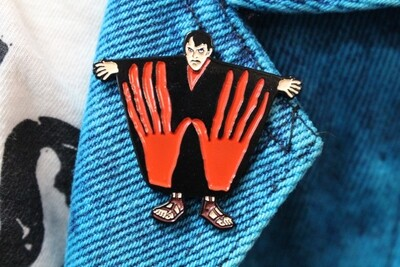 Manos The Hands of Fate Pin