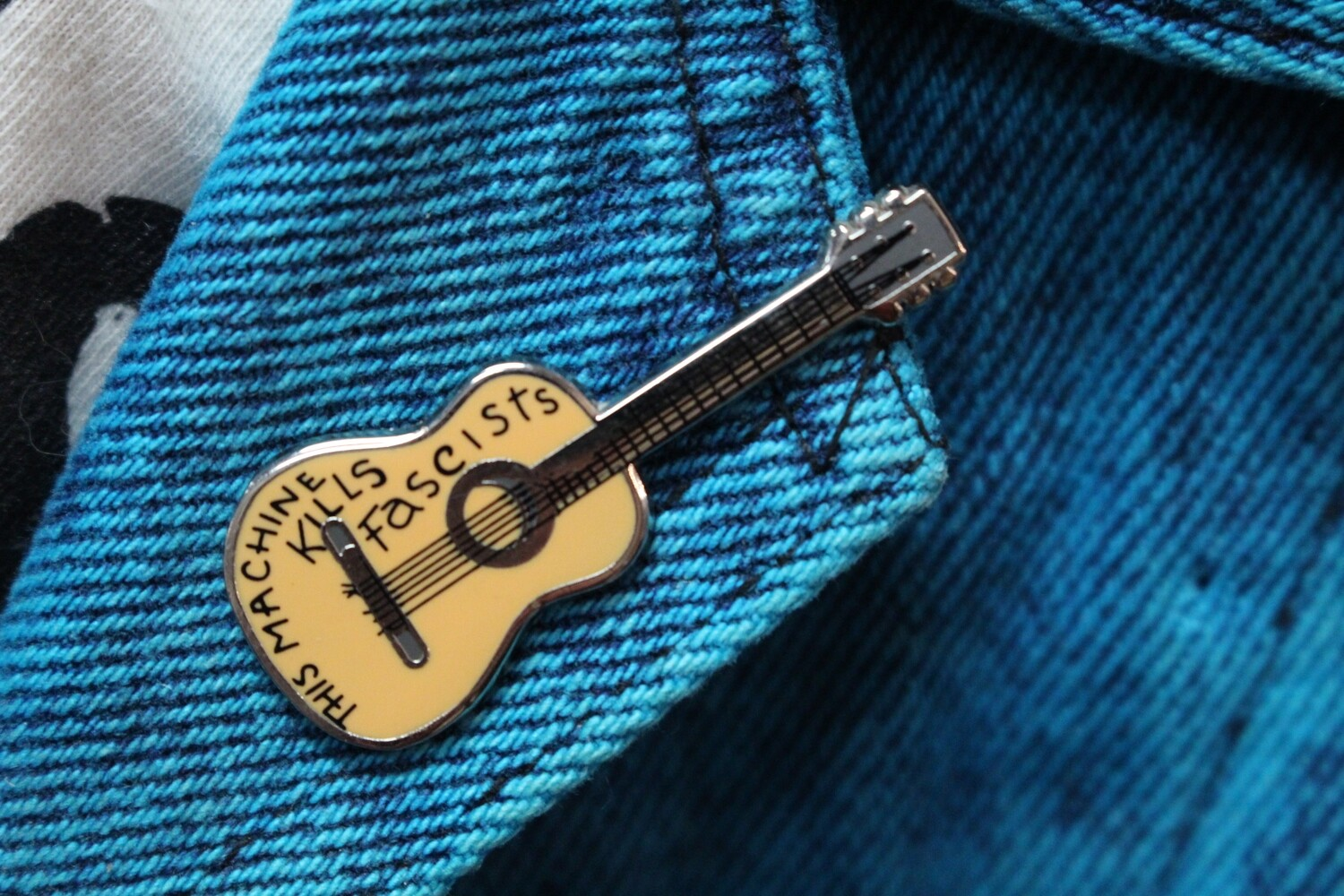This Machine Kills Fascists Pin