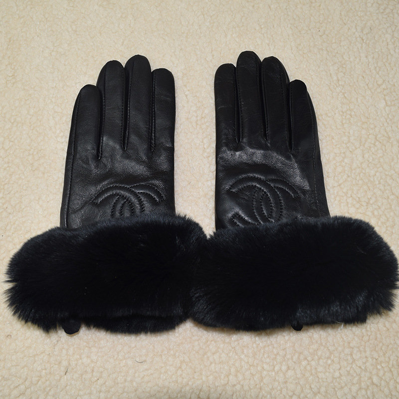 CC Touch Screen Leather Gloves With Black & Gray/White Fur