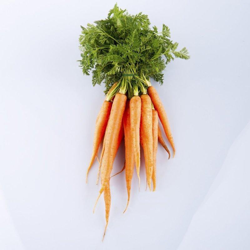 Морковь в пучке (1 шт)