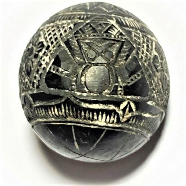 Kot Kala Pra Rahu Mai Mee Ta Ud Kring Eyeless Coconut Carved Asura Deva Eclipse God with Magic Bead Rattle Luang Por Pin Wat Srisa Tong 03793