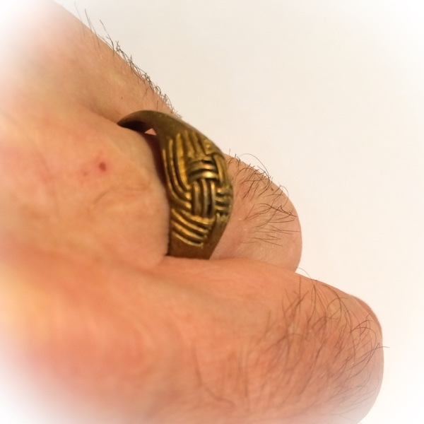 Hwaen Pra Pirord (Hwaen Dtakror) Magic Ring of Protection and Power Ancient Amulet - Luang Por Khwan Wat Ban Rai