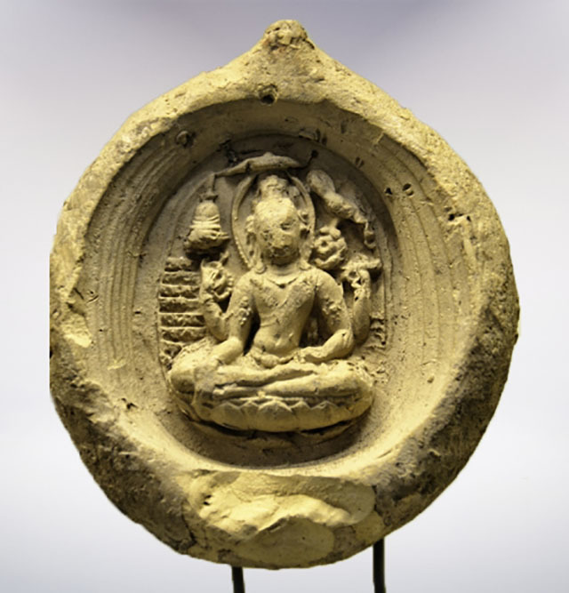 The same image from the same archeological dig (Priceless restoration piece) in Nakorn Sri Tammarat http://www.archae.su.ac.th/art_in_south/index.php/map/catagories/nakornsrithammarat/item/46-museum-nakorn-a06.html