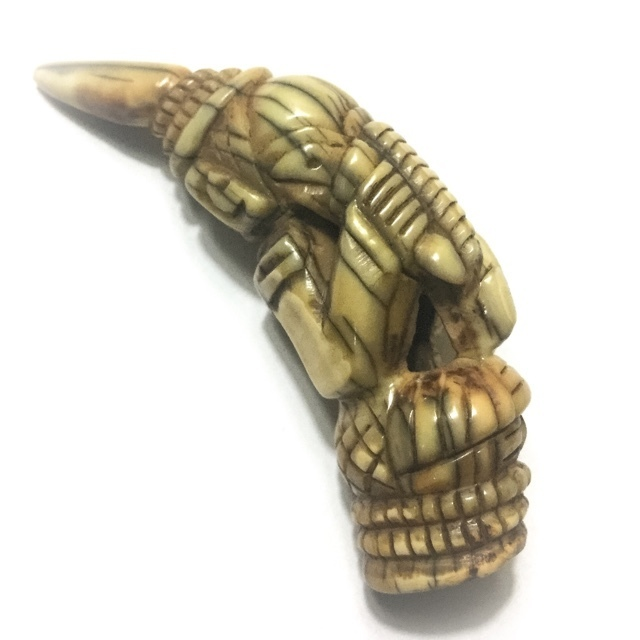 Khiaw Pra Pikanes Gae - Carved Tiger Tooth Ganesha 2.5 Inches - Dtamnak Dtak Sila Khao Or Circa 2490 BE