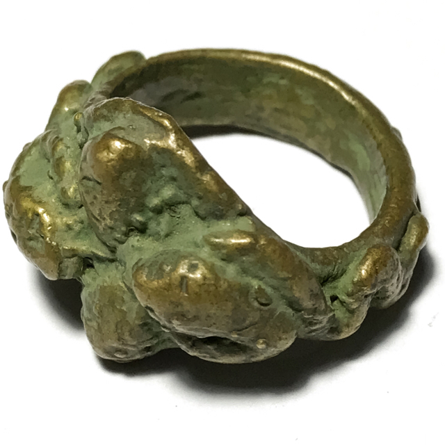 Hwaen Ngu Giaw Sap See Gler 4 Entwined Snakes Magic Ring of Protection Wealth and Treasure Circa 2460 BE - Luang Por Im - Wat Hua Khao 03078